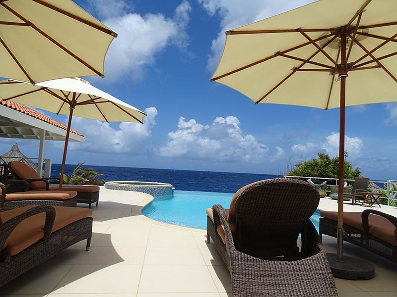 Caribbean Ocean front villa - swimming pool