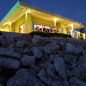 Ocean Ocean front Villla seen from the side -vacation rental Curacao